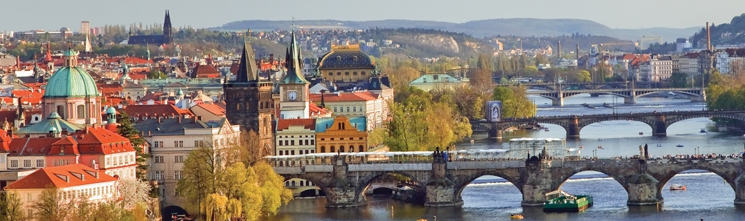 Relish the Prague walking tour experience