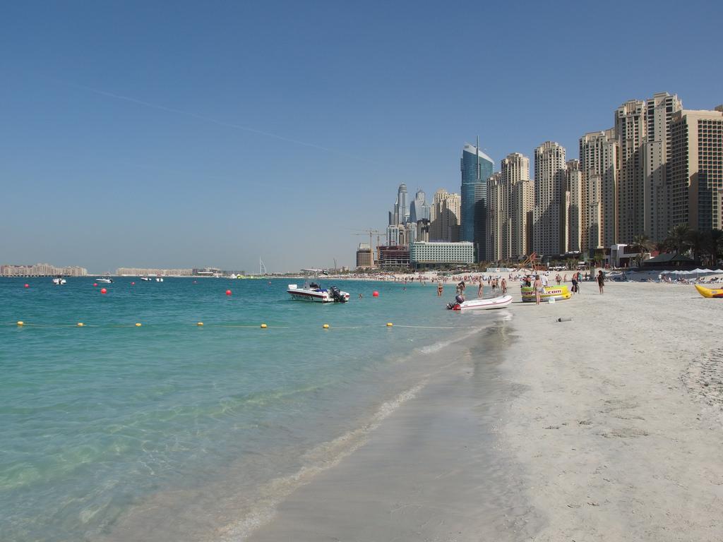Jumerah Beach - Places to visit in DUbai